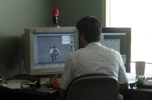 گمب به Hammer، ادیتور بازی هاف لایف 2، دسترسی داشت.