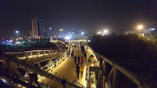 موبایل ۲: عکاسی در شب