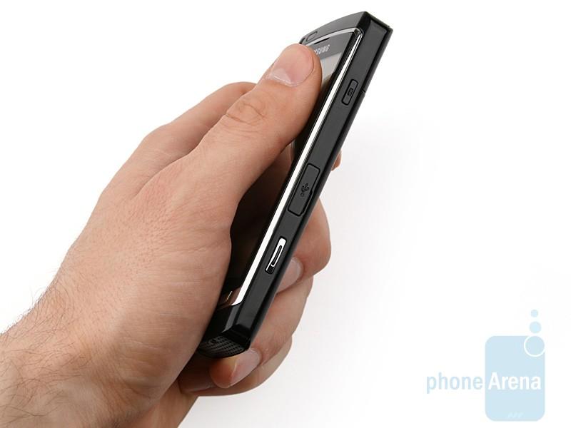 Samsung-OMNIA-HD-Review-Design-07