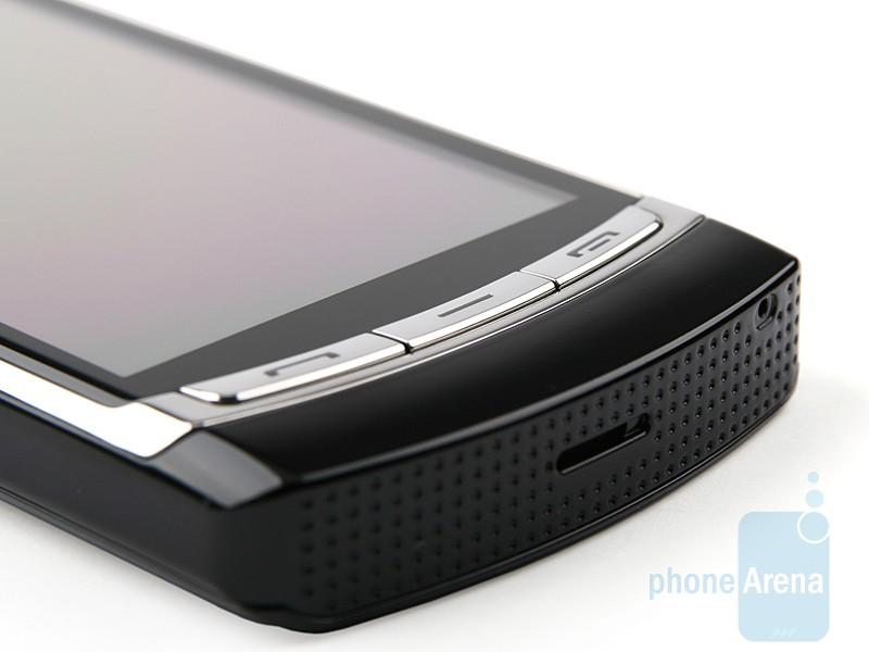 Samsung-OMNIA-HD-Review-Design-11
