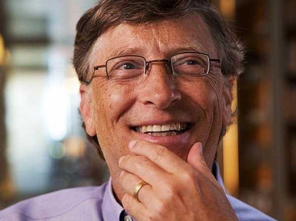 بیل گیتس سالانه میلیاردها دلار را صرف امور خیریه می کند، با این همه، کسب و کارش آنچنان پر سود است که هرچه بیشتر به دیگران می بخشد ثروتمندتر می شود.