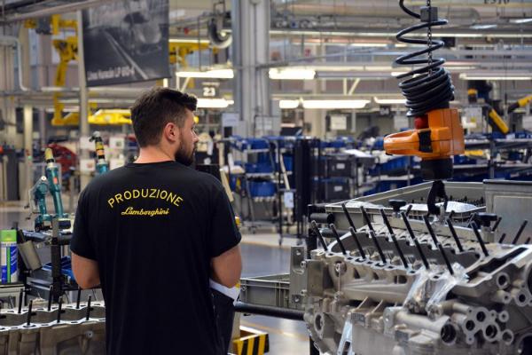 lamborghini-factory-tour_0039-w600