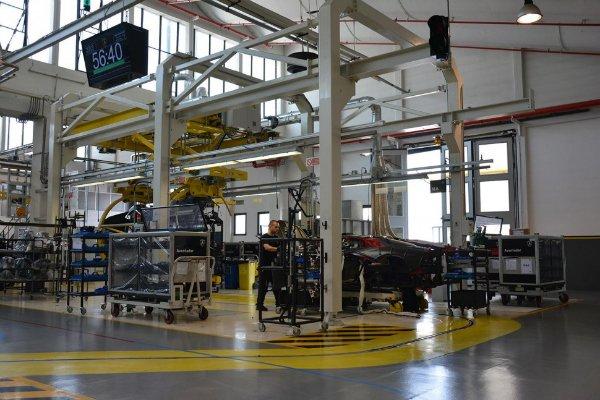 lamborghini-factory-tour_0130-970x647-c-w600