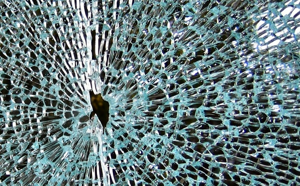 shattered-glass2-copy-1024x636