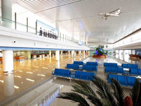 سالن انتظار با طراحی مدرن و زیبایش