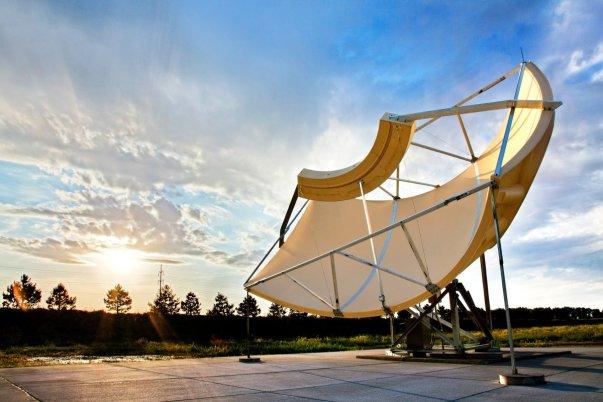 این آنتن غول پیکر کار ارسال و دریافت سیگنال ها را بر عهده دارد و فیبر نوری را در اختیار مناطق مسکونی سراسر جهان قرار می دهد. این آنتن همچنین منبع اولیه سیگنال سرویس تلویزیونی Google Fiber است.