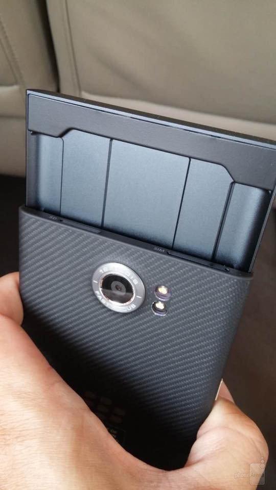 BlackBerry-Venice-slider (16)-w600