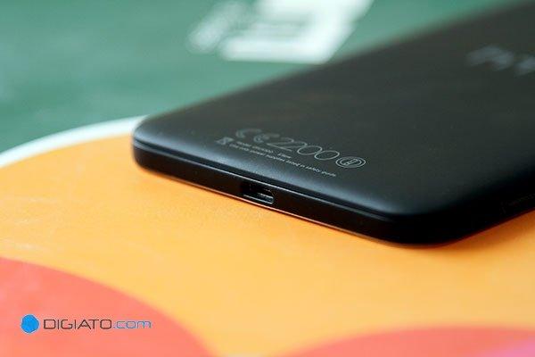 HTC E9 + (20)