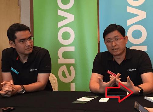 Lenovo-executive-Dillon-Ye-is-caught-wearing-the-Motorola-Moto-360-2 (1)