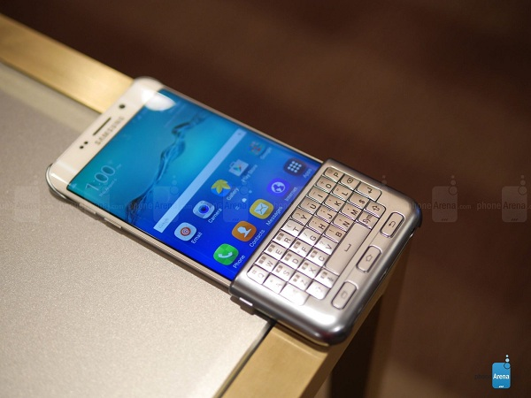 Samsung-Keyboard-Cover-for-the-Galaxy-S6-edge-hands-on (4)
