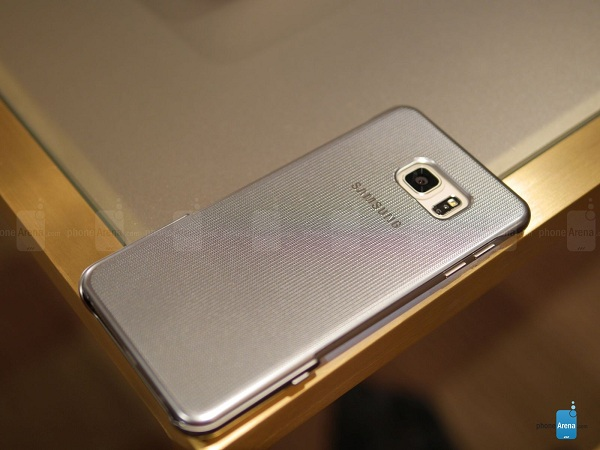 Samsung-Keyboard-Cover-for-the-Galaxy-S6-edge-hands-on (8)