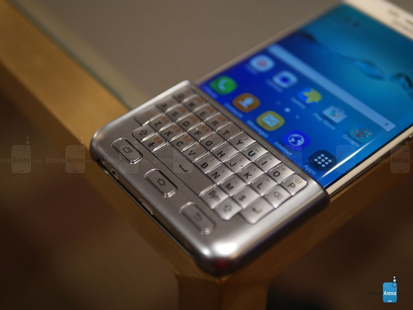 Samsung-Keyboard-Cover-for-the-Galaxy-S6-edge-hands-on