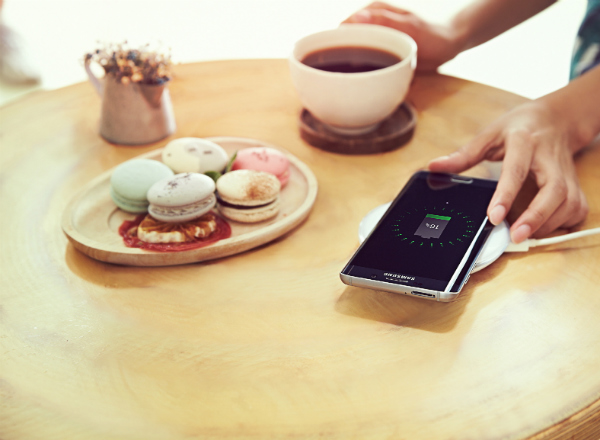 The-new-Samsung-Fast-Charge-Wireless-Charging-Pad (2)-w600