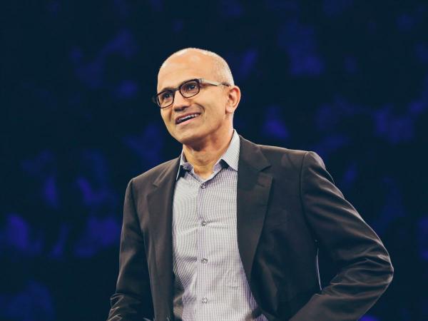 در میان جدیدترین شایعات، باز هم نام مایکروسافت دیده می شود. این شرکت در ابتدای سال ۲۰۱۵ میلادی پیشنهاد خرید Salesforce را با مبلغ ۵۰ میلیارد دلار به مدیر عامل این کمپانی ارسال کرده است. در این میان گفته شده که شرکت های دیگری نظیر اوراکل، SAP و گوگل نیز در میان لیست خریداران Salesforce بوده اند.