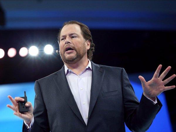 مارک بنیوف، مدیر عامل Salesforce اما رقمی معادل ۷۰ میلیارد دلار را طلب کرده است و پس از آن نیز، هنوز هیچ یک از شرکت های علاقه مند به این خرید بزرگ، دیگر به سراغ Salesforce نرفته اند. بر اساس گزارش تحلیلگران، Salesforce اکنون ارزشی برابر با ۴۵ میلیارد دلار دارد و انتظار می رود در سال جاری، درآمدی شش میلیارد دلاری کسب نماید.