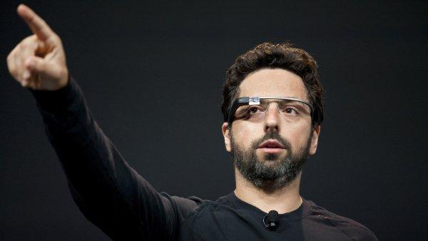 sergey-wearing-google-glass-w600