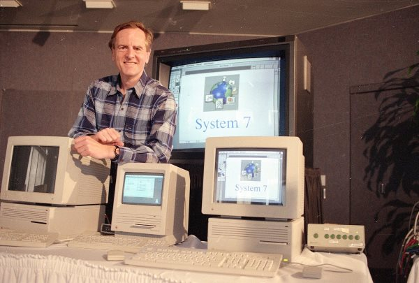 with-jobs-gone-sculley-had-a-free-hand-at-apple-at-first-things-seemed-great-and-apple-introduced-its-powerbook-laptop-and-system-7-operating-system-in-1991-system-7-introduced-color-to-the-macintosh-operating-system-and-wou