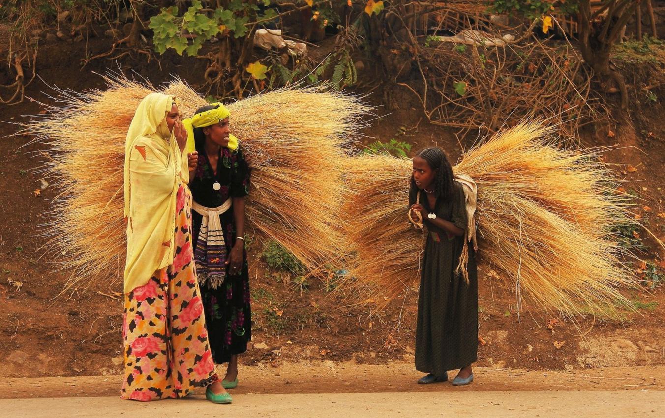 این تصویر به شمال اتیوپی مربوط می شود. در اطراف صحرای آفریقا ۶۲۰ میلیون نفر بدون برق زندگی می کنند.