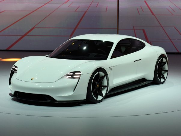 تا به امروز، شاید بزرگ ترین ستاره این نمایشگاه خودروی مفهومی و الکتریکی Mission E پورشه بودهباشد.