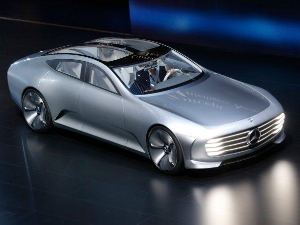 مرسدس نیز با رونمایی از این ماشین مفهومی با نام Intelligent Aerodynamics Automobile درکانون توجه بازدیدکنندگان قرار گرفت.