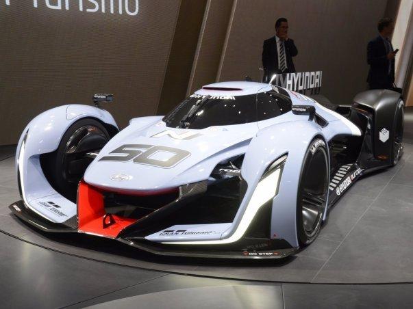 مهندسان کره جنوبی نیز از حاضران این نمایشگاه بودند و در جریان آن از خودروی مفهومی خود به نامN2025 پرده برداشتند که برای همین بازی ساخته شده است.