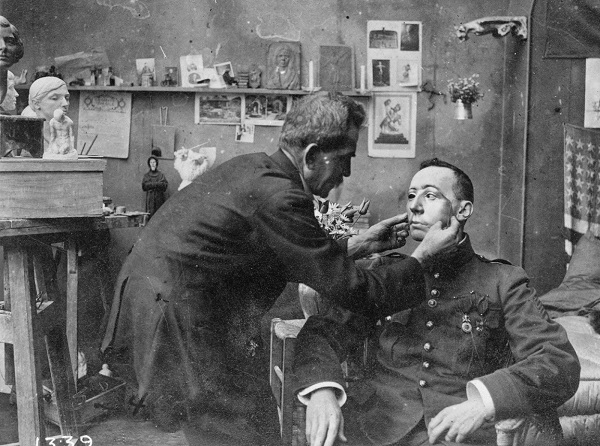 French soldier whose face was mutilated in World War I