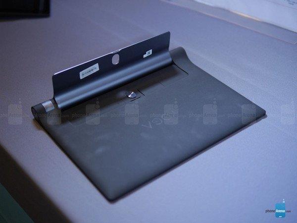 Lenovo-YOGA-Tab-3-10-inch-hands-on (1)