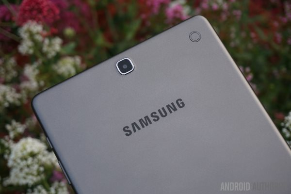 Samsung-Galaxy-TabA-9.7-10-840x560