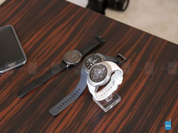 Samsung-Gear-S2-Classic-hands-on (9)