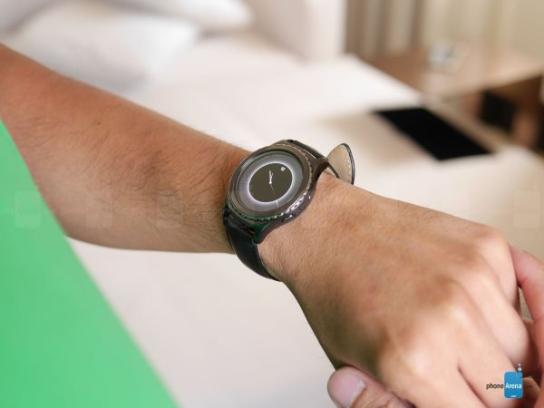 Samsung-Gear-S2-Classic-hands-on