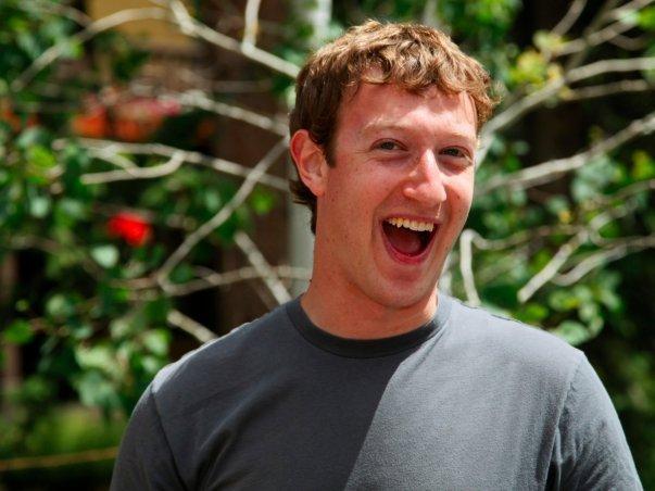 آنها پس از آنکه سهام خود را در StudiVZ به فروش رساندند یک سرمایه گذاری هوشمندانه 10 میلیون دلاری را در فیسبوک واقعی در سال 2008 میلادی انجام دادند اما زمانی که ارزش این شبکه اجتماعی تنها 50 میلیون دلار بود، سهام خود را به فروش رساندند.