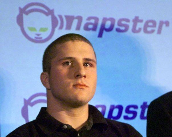 در اکتبر 2010: اوبر مجموعا سرمایه ای 1.25 میلیون دلاری را از First Round Capital، کریس ساکا دوست کالانیک و شاون فنینگ بنیانگذار نپستر دریافت نمود.