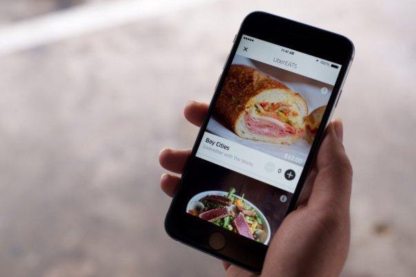 آوریل 2015: شرکت مورد بحث خدماتتازه ای به نام UberEats را راه اندازی کرد؛ نوعی سرویس تحویل غذای آنی که ظرف تنها چند دقیقه غذا را به درب منزل مشتریان تحویل می دهد. این سرویس برای شروع در شهرهای لس آنجلس، بارسلونا، شیکاگو و نیویروک راه اندازی شد.