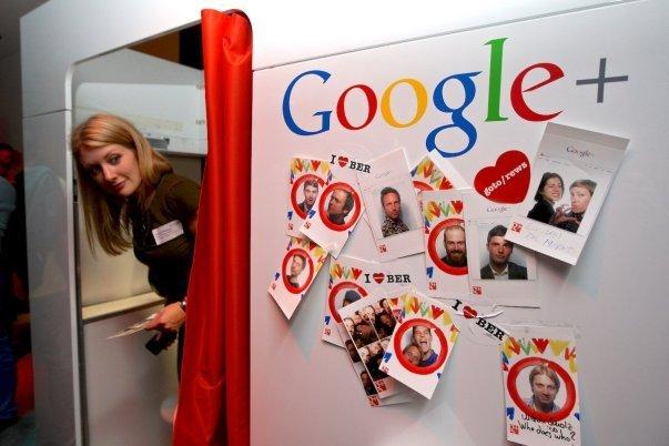 اوت 2013: اوبر به بازارهای آفریقا و هند راه یافت و سری سوم فعالیت هایش برای کسب سرمایه را آغاز کرد که در جریان آن 258 میلیون دلار را از سوی Google Ventures دریافت نمود که ارزش این شرکت را به 3.76 میلیارد دلاررساند.