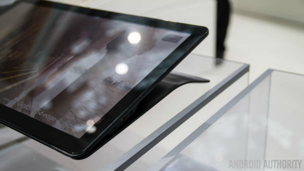 Samsung-Galaxy-View-Hands-On-AA-14-of-36-792x446-w600