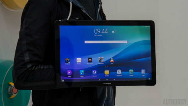 Samsung-Galaxy-View-Hands-On-AA-34-of-36-792x446-w600