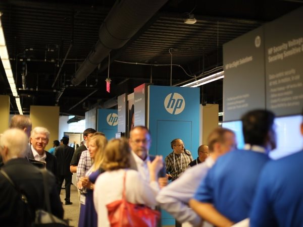 after-rumored-talks-to-acquire-emc-failed-whitman-decided-to-take-the-drastic-measure-of-splitting-hp-into-two-companies-each-divided-company-will-still-be-huge-fortune-50-companies-the-split-will-take-place-november-1