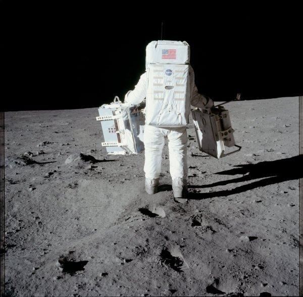 apollo-11-exploration