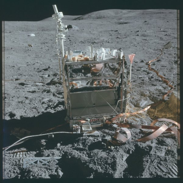 apollo-16-experiments-in-space