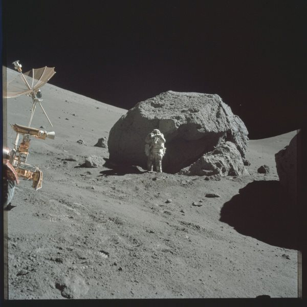 apollo-17-some-of-those-moon-rocks-are-pretty-big