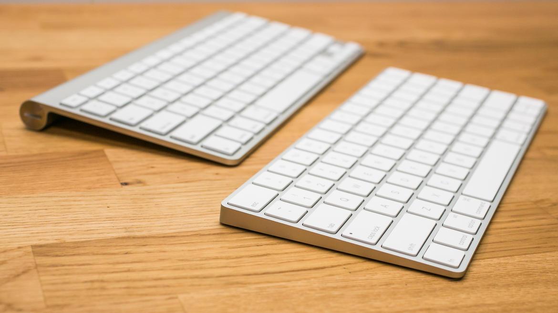 Magic Keyboard در پایین و Wireless Keyboard در بالا