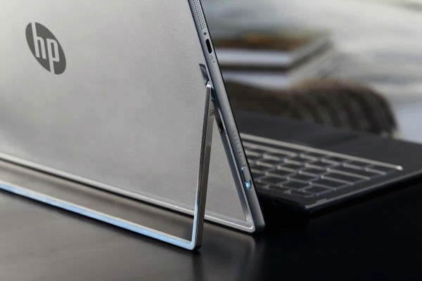hp-spectre-x2-on-table-lifestyle-1-w600