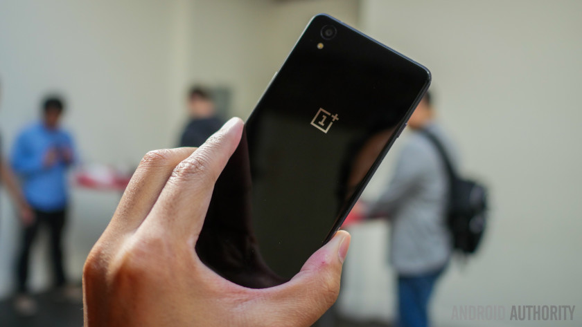 oneplus-x-first-look-aa-6-of-47-840x473