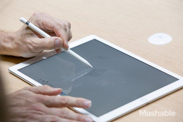 اپل حالا یک بوم نقاشی به همراه یک قلموی حساس به فشار را در اختیار کاربران گذاشته است.
