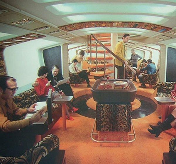 Boeing_747_Interior_Upper_Deck