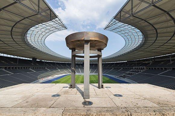 مقام چهارم: نمایی از ورزشگاه المپیک در برلین، آلمان؛ ثبت شده توسطJan Künzel