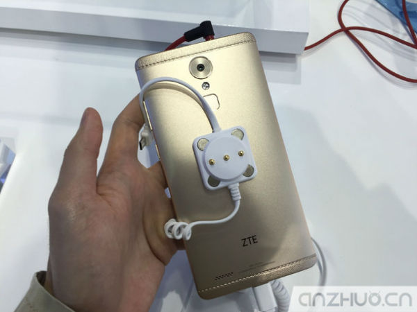 ZTE-Axon-Max-hands-on-China_5-w600