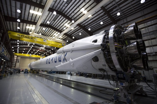 spacex-has-one-of-the-only-rockets-in-the-world-that-can-still-complete-a-mission-if-one-of-its-engines-shuts-down-in-mid-launch