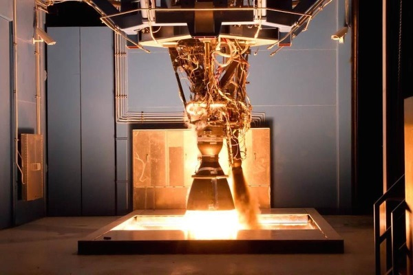 spacex-is-one-of-the-few-companies-that-builds-and-launches-its-own-rockets (1)