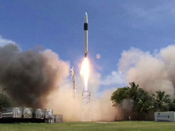 spacex-met-a-critical-milestone-in-2008-for-privately-owned-spaceflight-companies
